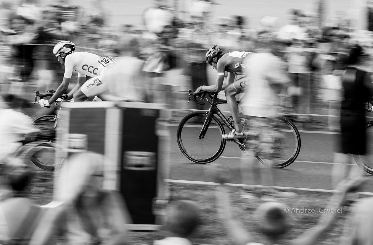 Dąbrowa Górnicza, 03.08.2015.  Kolarze na trasie wyścigu kolarskiego Tour de Pologne w dąbrowie Górniczej